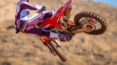 Team Honda HRC 2017 VIDEO Roczen & Seely