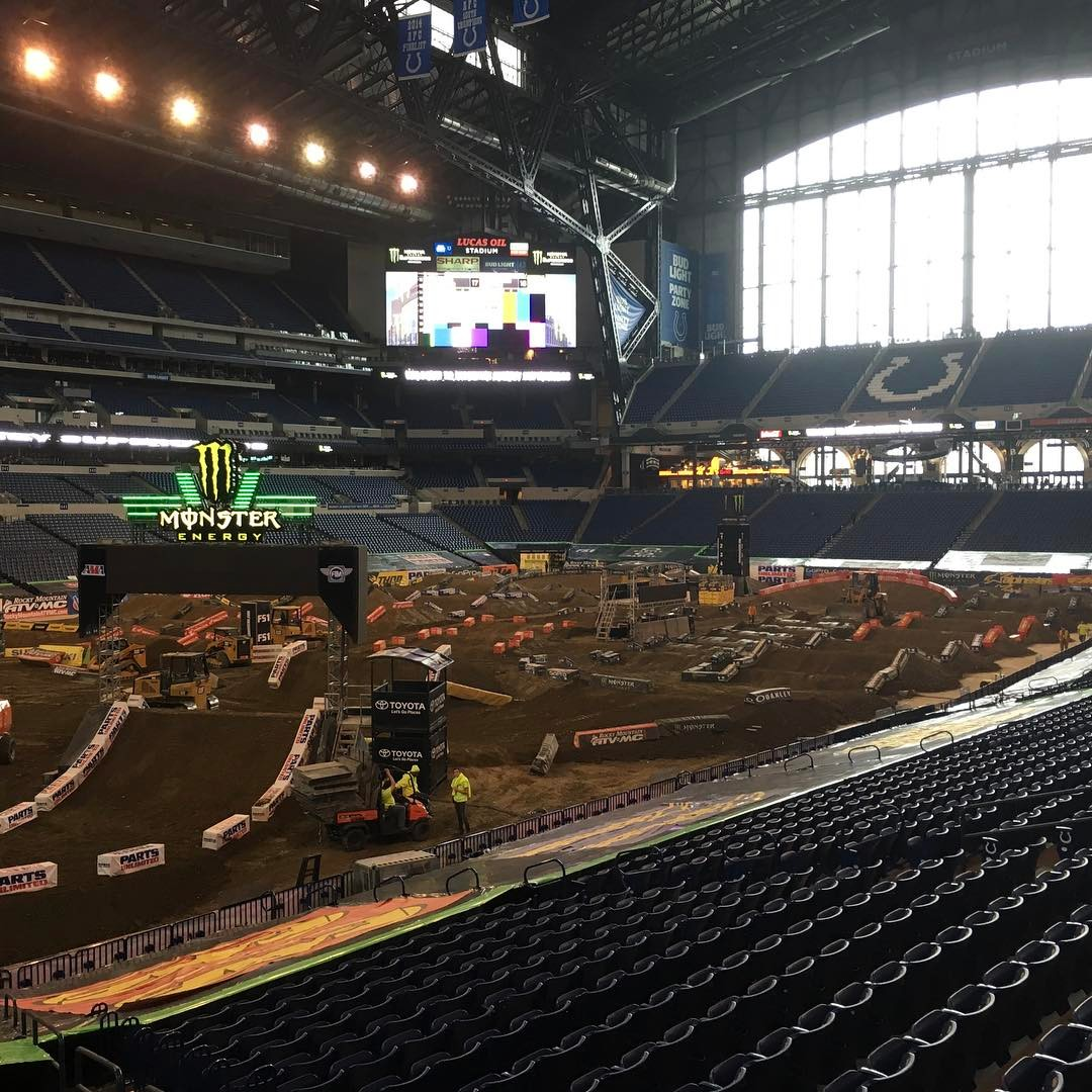 Sx Indianapolis Race links indoor dome