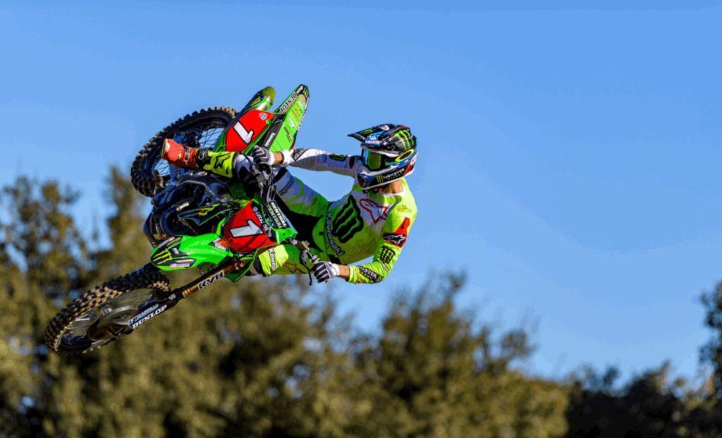 Monster Energy Kawasaki prolunga il contratto con Eli Tomac