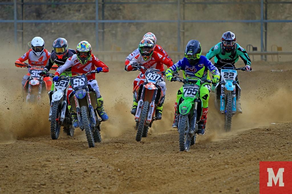 Campionato-Regionale-Toscano-Motocross-–-5°-Round-2021-partenza-mx1-mx2-expert-rider.
